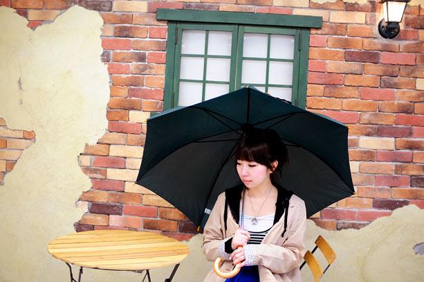 【Q&A】雨などで髪が濡れると薄く見えてしまいます。何か良い対策方法はありませんか?