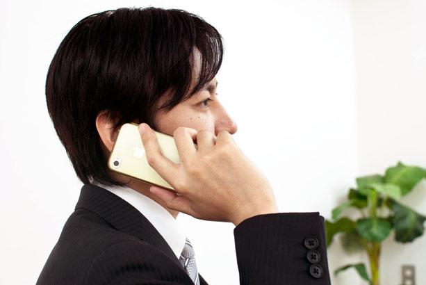 【Q&A】営業職をしています。ハゲているため、相手に悪印象を与えていそうで不安です。カツラの着用をした方がいいですか?